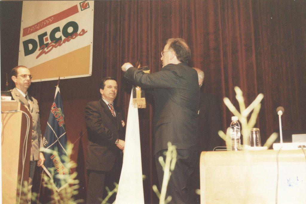 1999 – 25 anos da DECO